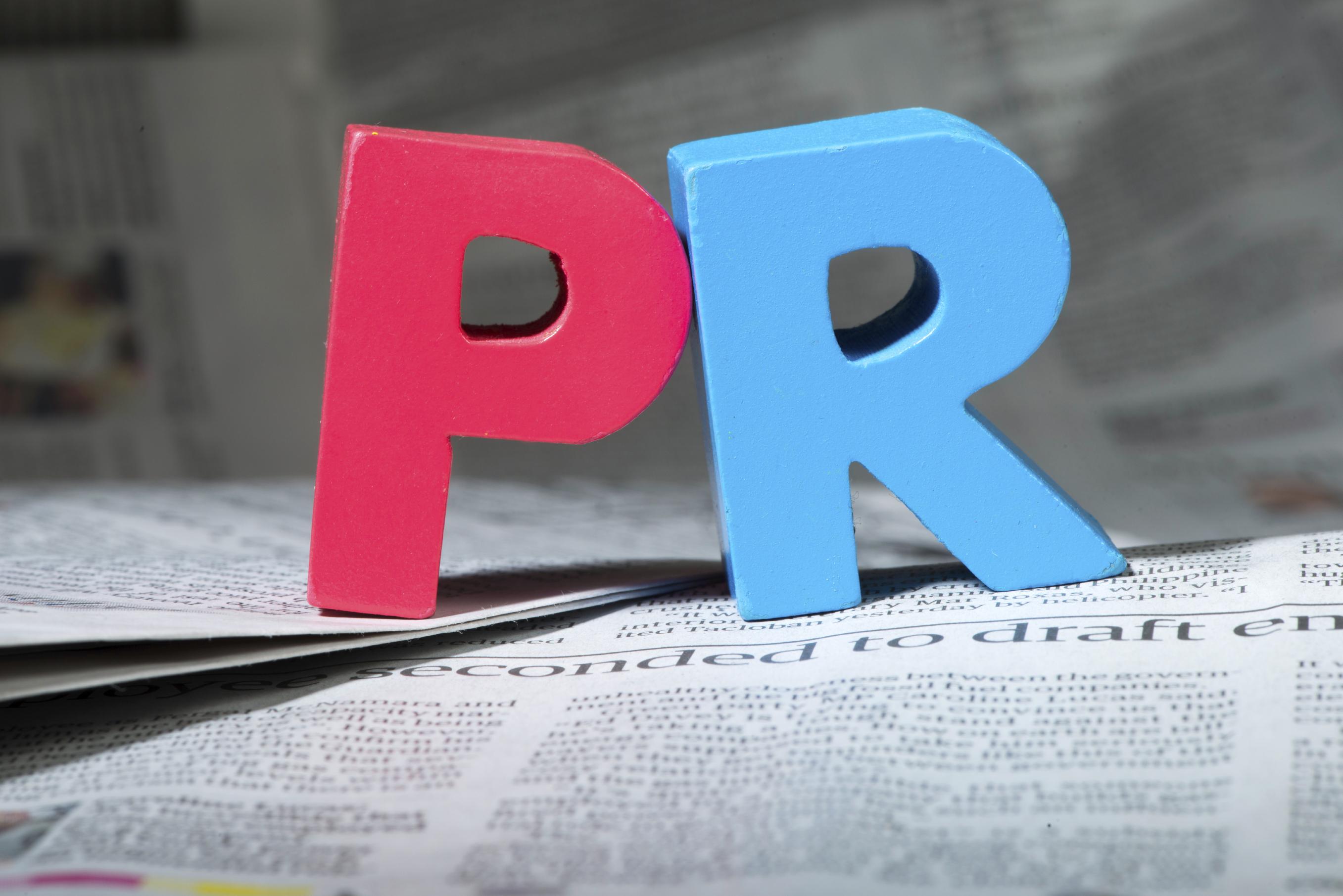 PR cikk
